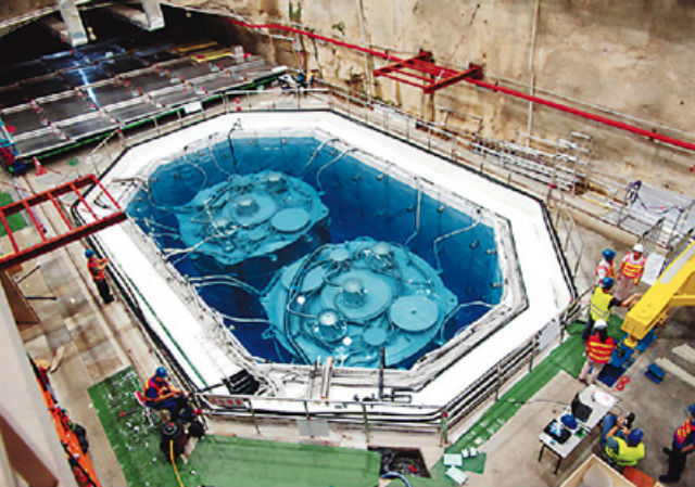 Детектор с 20 тысячами тонн жидкого сцинтиллятора будет построен по образу и подобию детектора Daya Bay (фото IHEP).