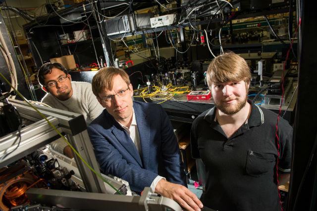 Команда исследователей: доктор Амита Деб, Нильс Кьергор и Крис Робертс (фото University of Otago).