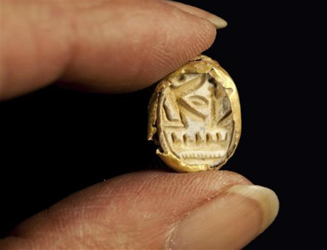 Перстень-печать с именем египетского фараона XIX династии Сети Первого, правившего в 1290-1278 годах до н.э. (фото Israel's Antiquities Authority).