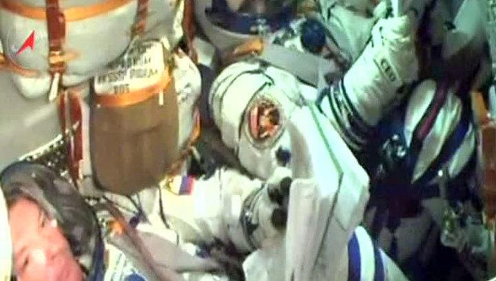 """""""Союз"""" с экипажем МКС стартовал с Байконура и вышел на орбиту"""