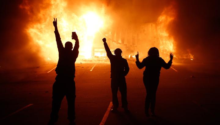 В США начались массовые беспорядки