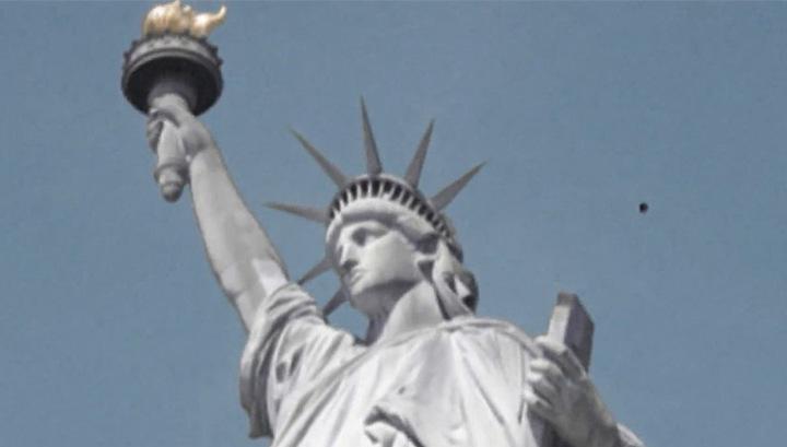 НЛО засекли над статуей Свободы