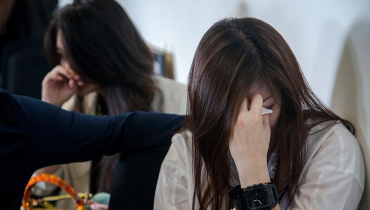 Семья из 10 человек чудом спаслась, опоздав на злополучный рейс компании Air Asia