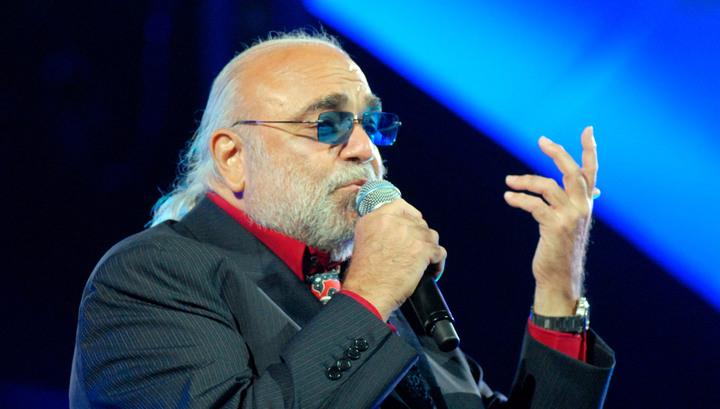 В Афинах умер певец Демис Руссос