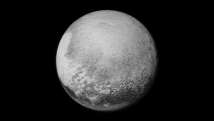 Астрономы поменяли свои представления о размерах Плутона