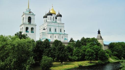Автор: стены древнего Кремля