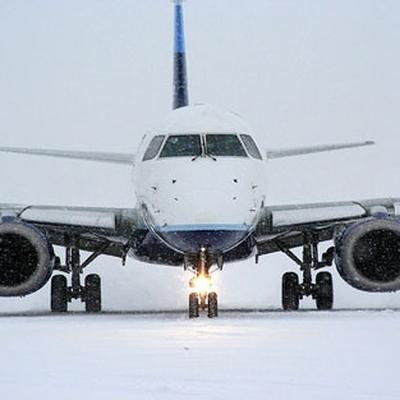 Авиарейсы на Сахалин задерживаются из-за метели