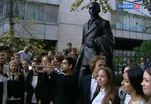 В Москве сегодня открыли памятник Евгению Вахтангову