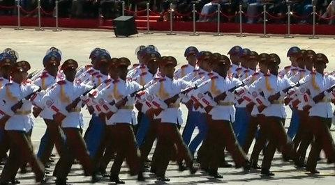 На площади Тяньаньмэнь прошел грандиозный парад в честь 70-летия Победы