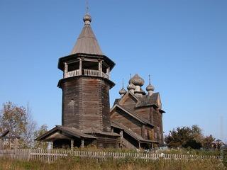 В Ленинградской области восстанавливают последний уцелевший пятиглавый деревянный храм