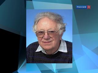 Скончался ученый-генетик Оливер Смитис