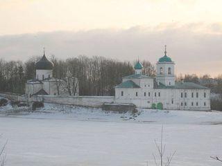 Завершен очередной этап восстановительных работ в Мирожском и Снетогорском монастырях