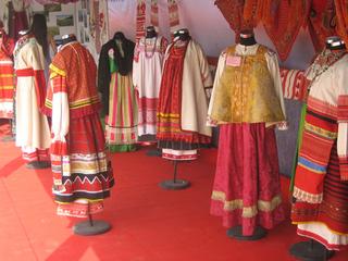 В Белфасте открылась выставка русских костюмов
