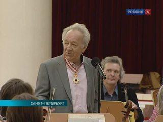 Юрий Темирканов получил орден Восходящего солнца