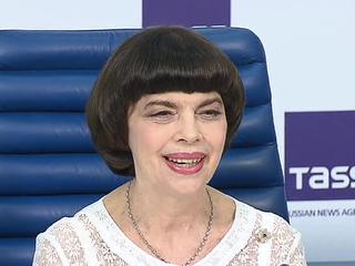 Мирей Матье встретилась с журналистами в Москве